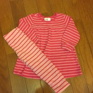 Hanna Andersson play dress and leggings set. 80/2